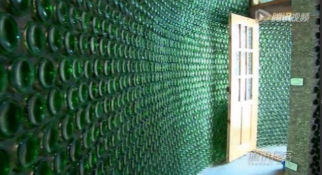 Casa hecha con botellas