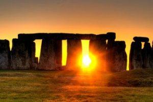 Stonehenge, un ícono popular de la cultura inglesa durante el solsticio