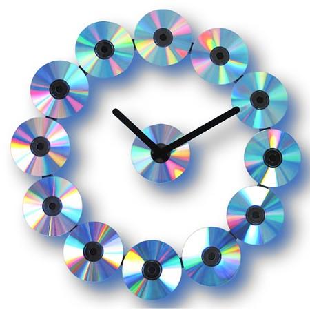 reloj de pared hecho con cds