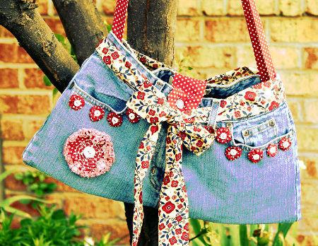 bolso hecho con ropa reciclada